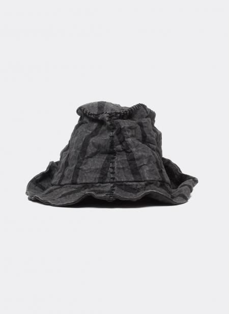 Chapeau à bandes noires